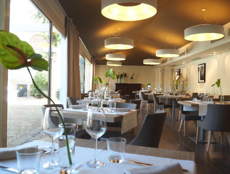 Restaurant De La Ville