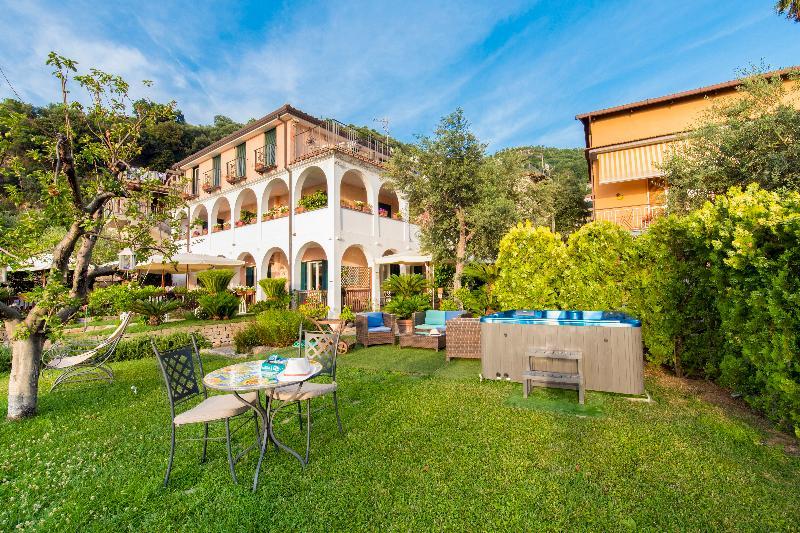 Lobby Villa Pane Resort