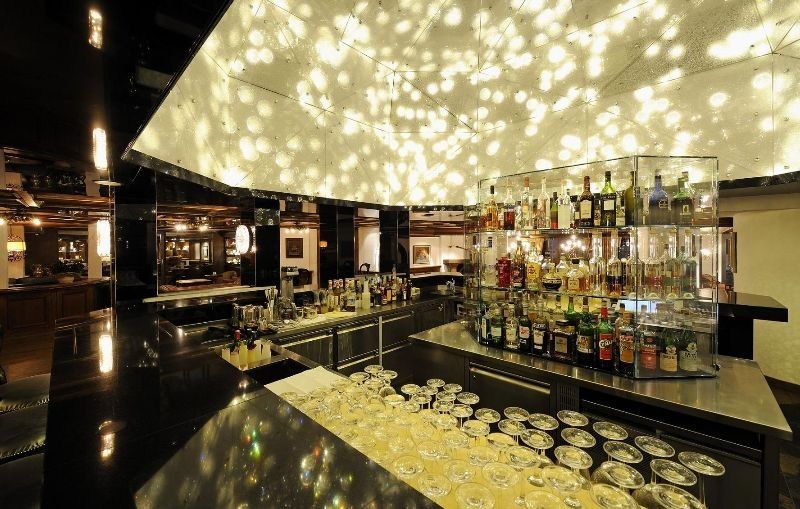 Wellness & Spa Hotel Ermitage - Bar - 2