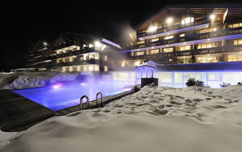 Wellness & Spa Hotel Ermitage - Pool - 1