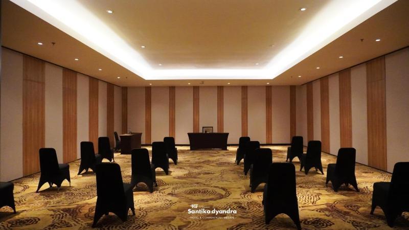 Conferences Santika Premiere Dyandra Hotel & Convention