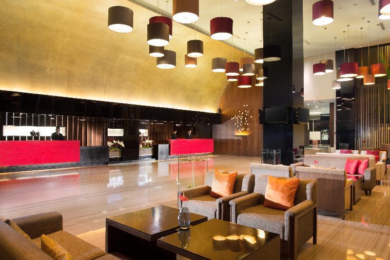 Lobby Santika Premiere Dyandra Hotel & Convention