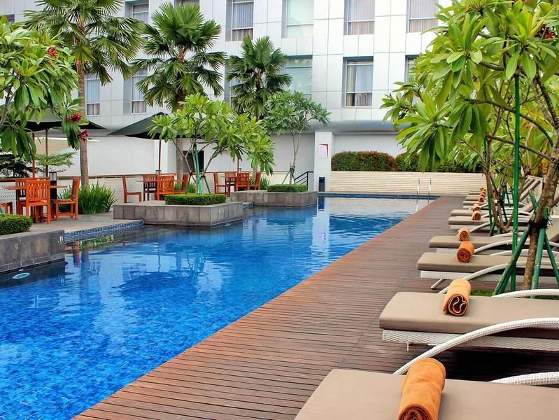 Pool Santika Premiere Dyandra Hotel & Convention