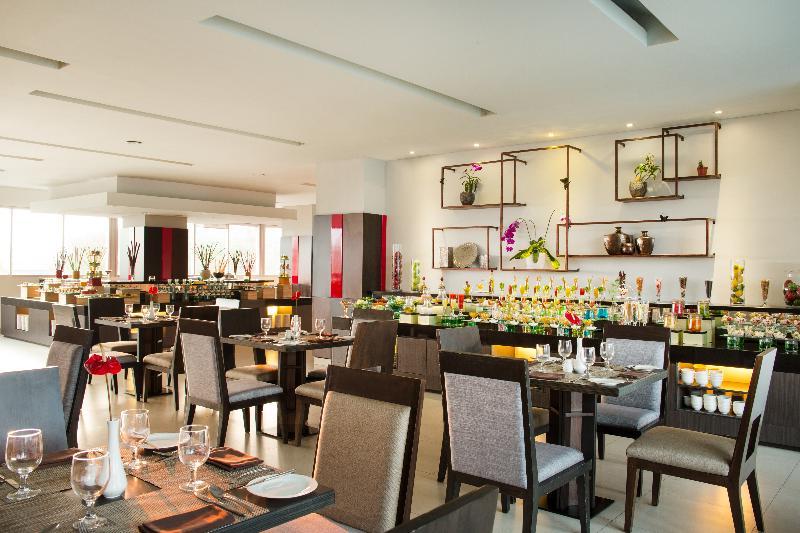 Restaurant Santika Premiere Dyandra Hotel & Convention