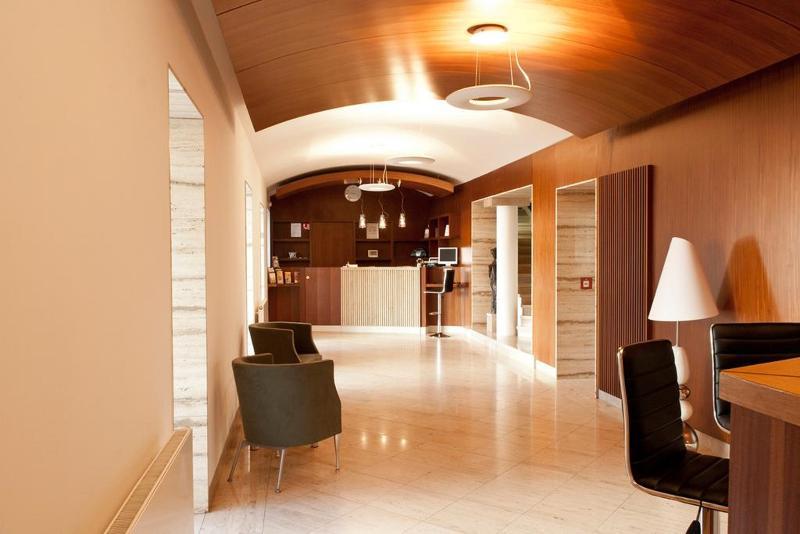 Lobby Popelka Hotel