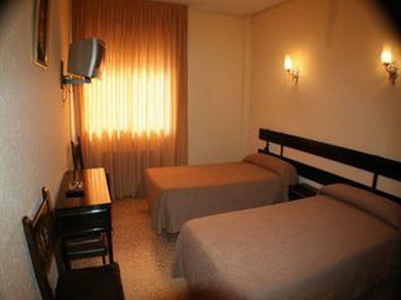 Room Hostal Alpino
