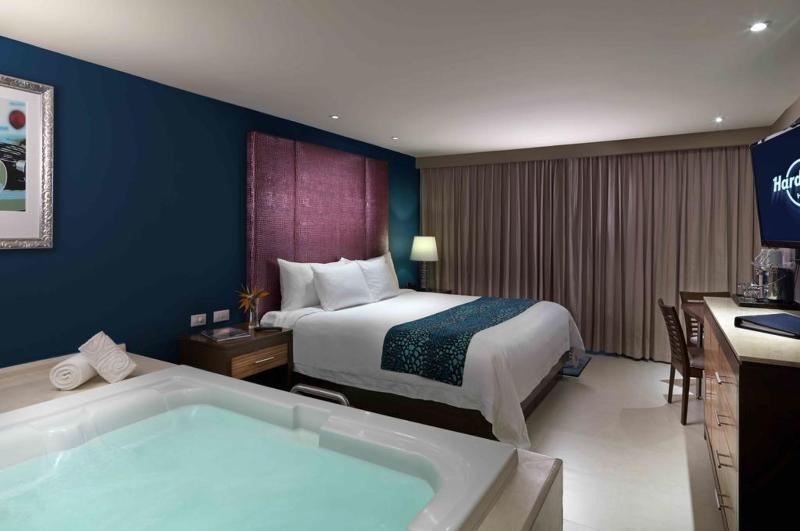 DOUBLE DELUXE PLATINUM DOUBLE BEDS