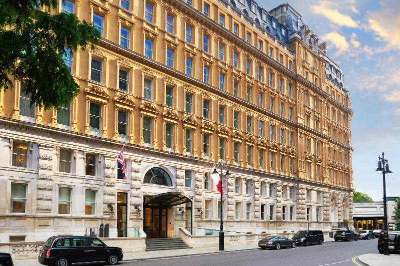 Lobby Corinthia Hotel London