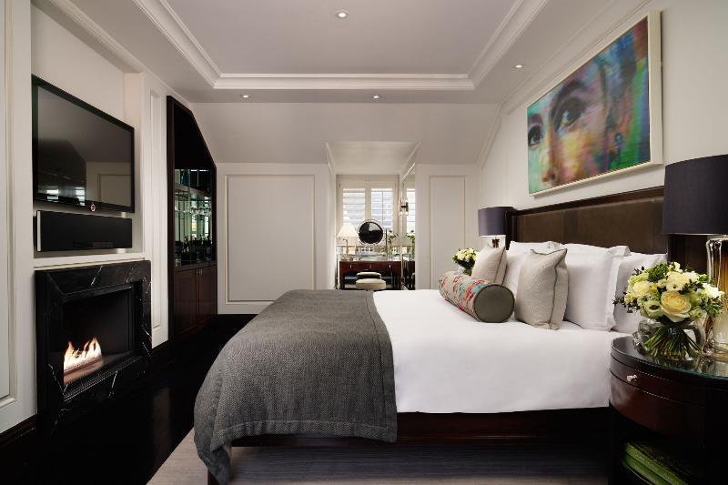 Room Corinthia Hotel London