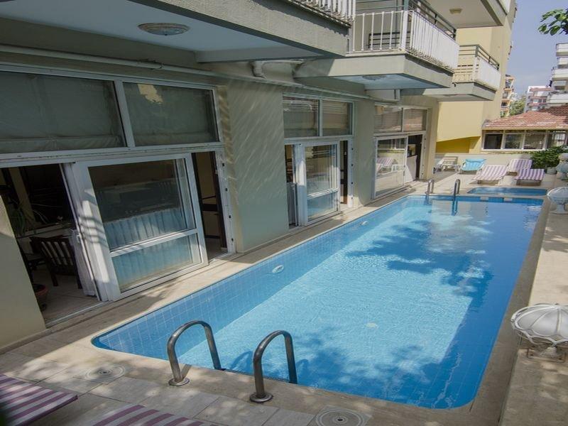 Pool Guler Hotel