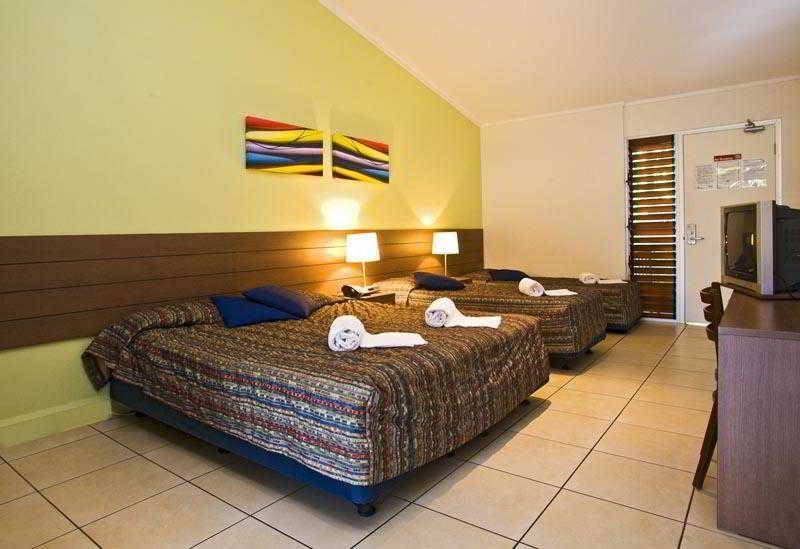 General view Sandcastles 1770 Motel & Resort