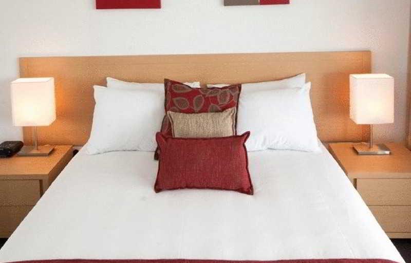 Room Edge Apartment Hotel