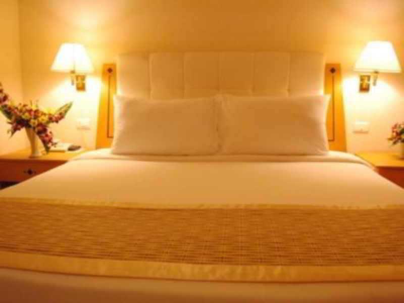 Room Bussarakam
