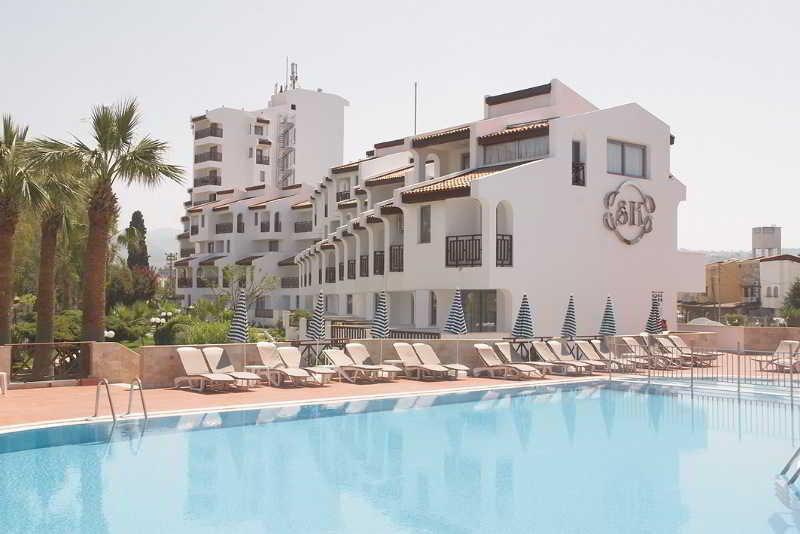 Pool Sentinus Hotel