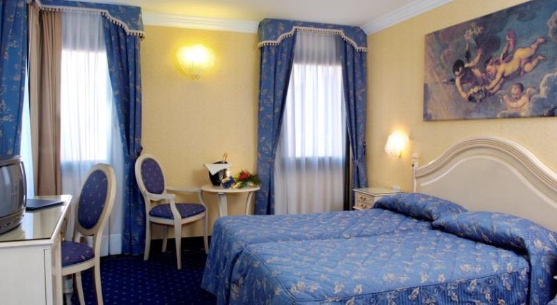 Room Ca\' Formenta