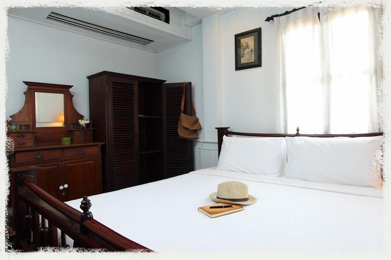 Room Cafe De Laos
