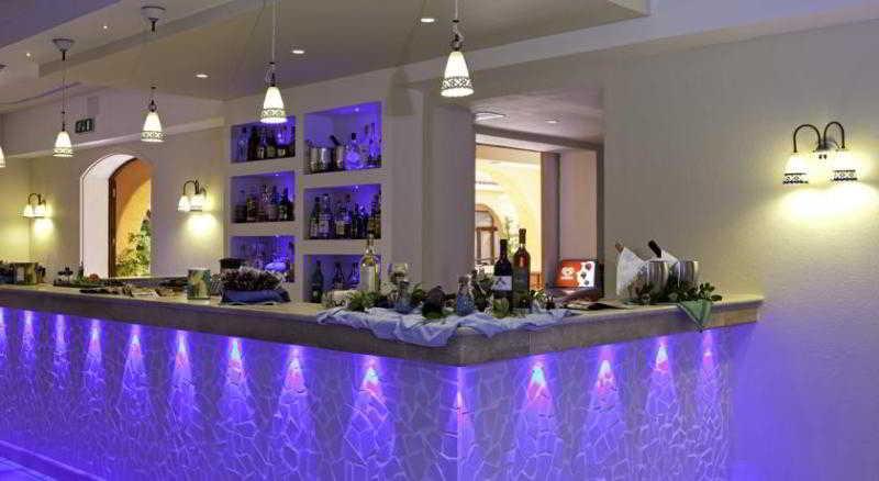 Bar Blu Hotel Laconia Village