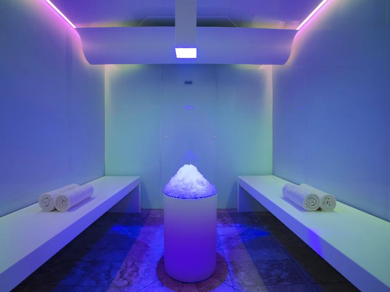 Their facilities include twenty well-appointed treatment rooms, a state of the art wellness area comprising Finnish saunas, Meditative Steam Rooms, Ice Rooms, Hot and Cold Hydrotherapy Pools.