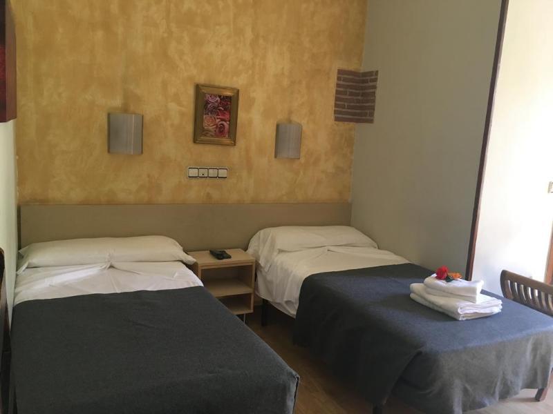 Fotos Hostal Hostal The Good Rooms (antiguo Hostal La Plata)