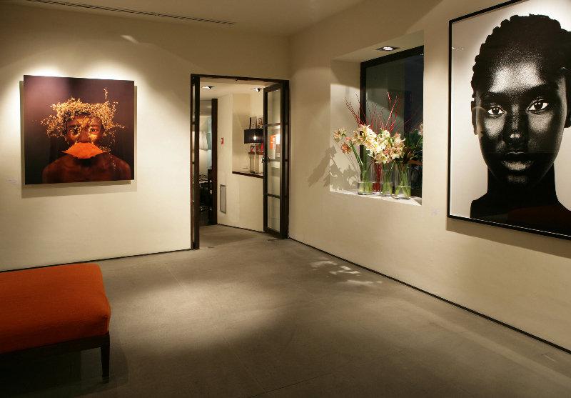 Lobby Gallery Art Hotel