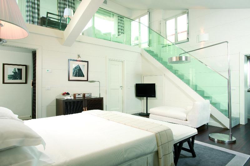 Room Gallery Art Hotel