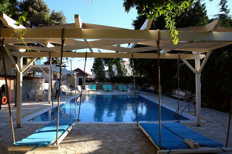 Pool Sunrise Inn Hotel