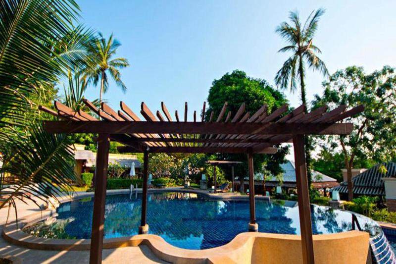 Maya Buri Boutique Resort spa - Pool - 1