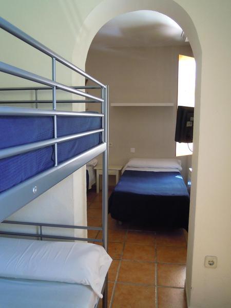 Room Moscatel Hostal