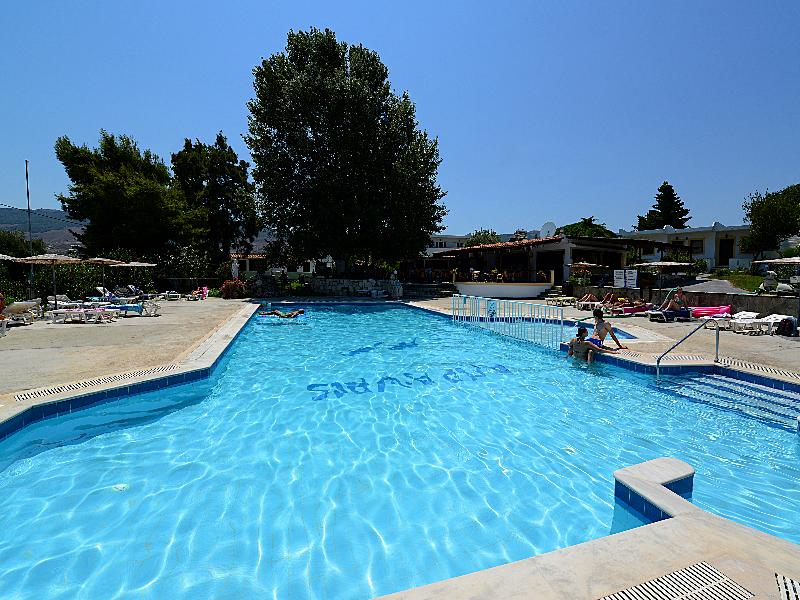 Gelli Apartments - Pool - 1