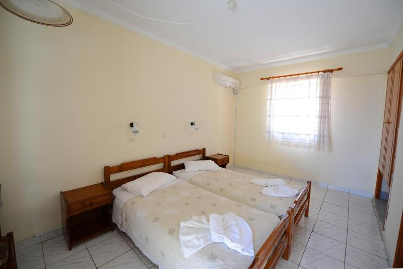 Gelli Apartments - Room - 6