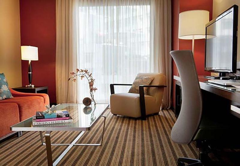 Room Renaissance Caracas La Castellana Hotel