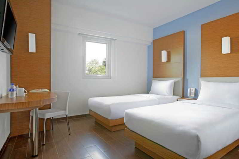 Room Amaris Cirebon