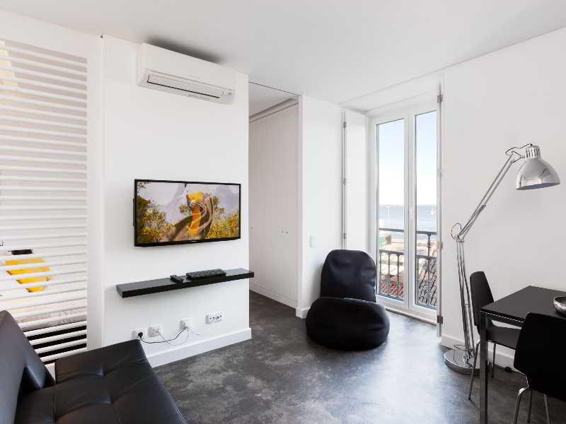 Room Hello Lisbon Santa Apolonia Apartments