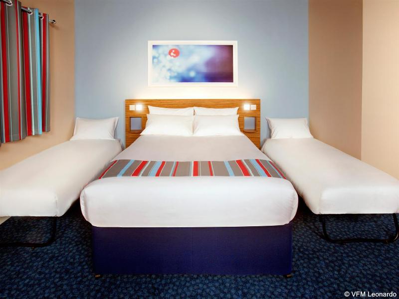 Travelodge Portsmouth - Hotel - 2