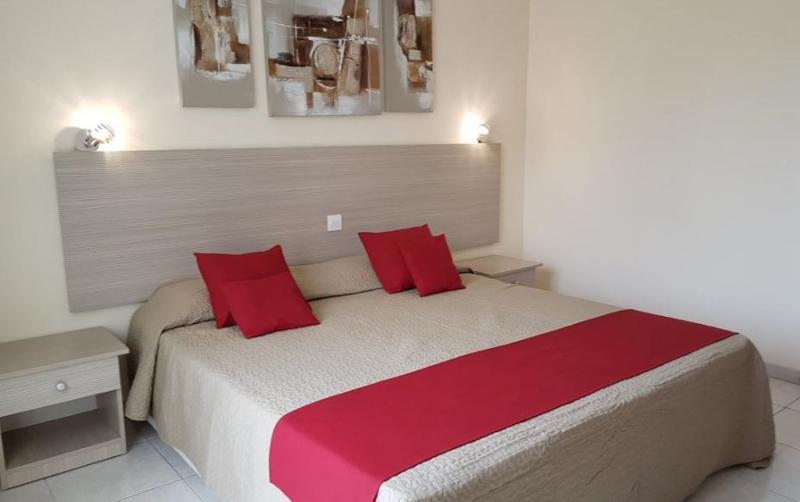 Tasiana Hotel Apts - Room - 1
