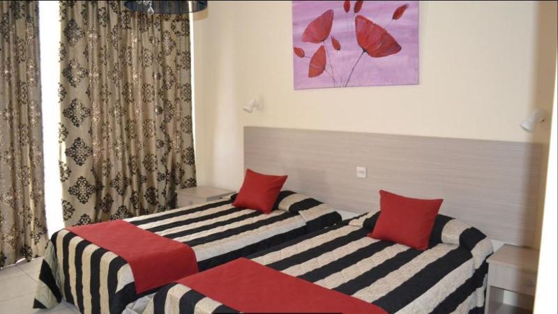 Tasiana Hotel Apts - Room - 9
