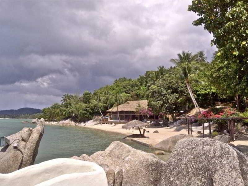 Beach Bay Lounge & Resort