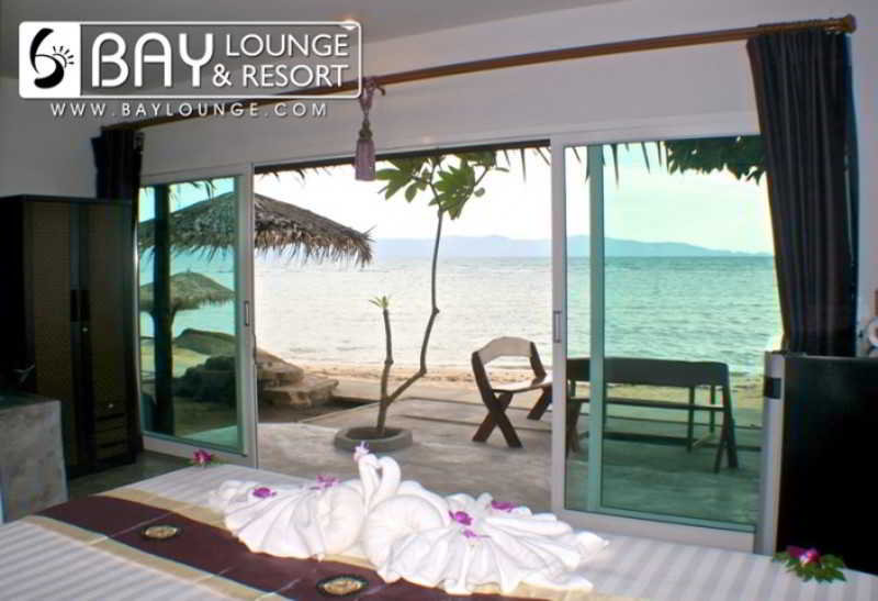 Room Bay Lounge & Resort