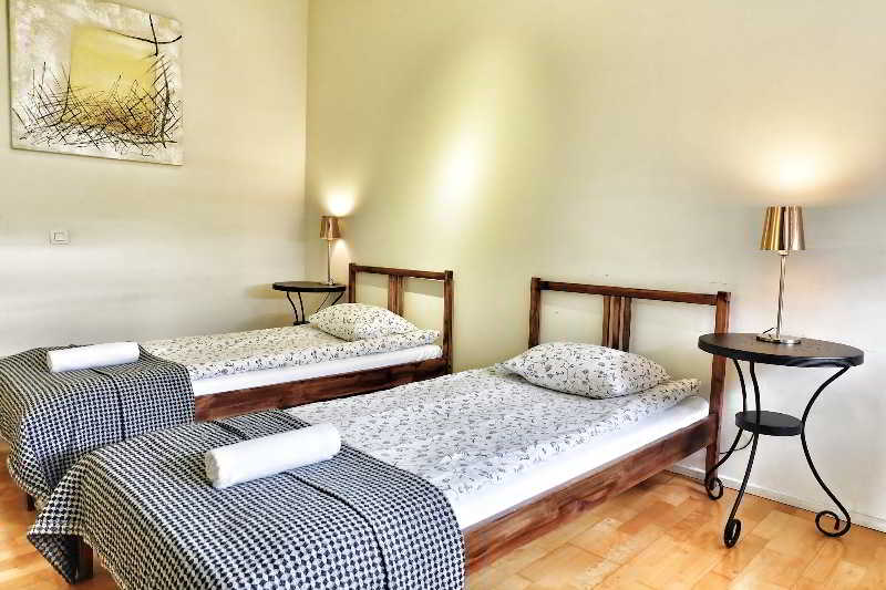 Room The Loft Apartments