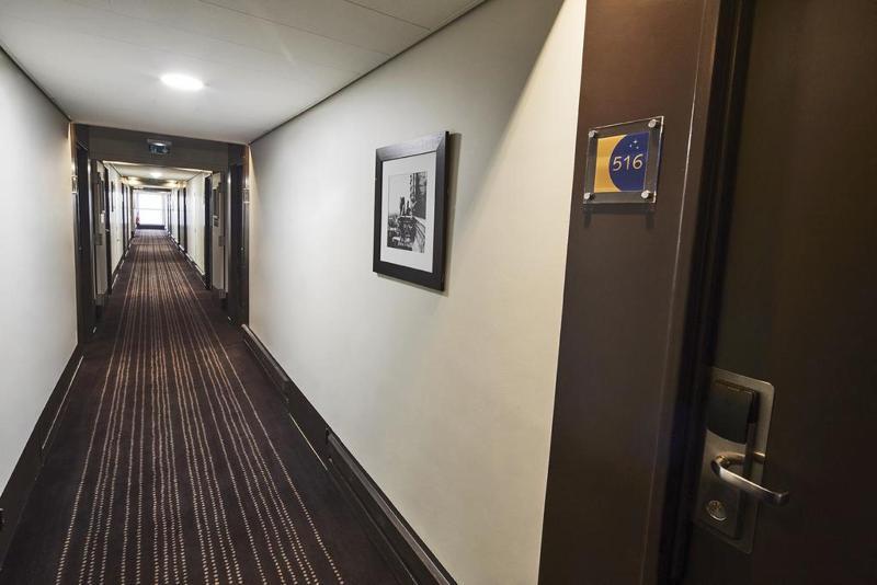 Kyriad Prestige Le Bourget - Hotel - 6