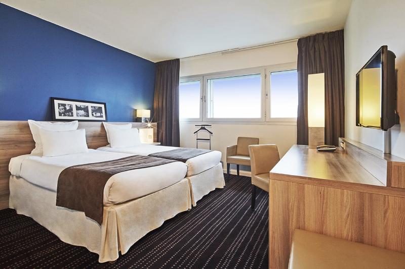 Kyriad Prestige Le Bourget - Room - 1