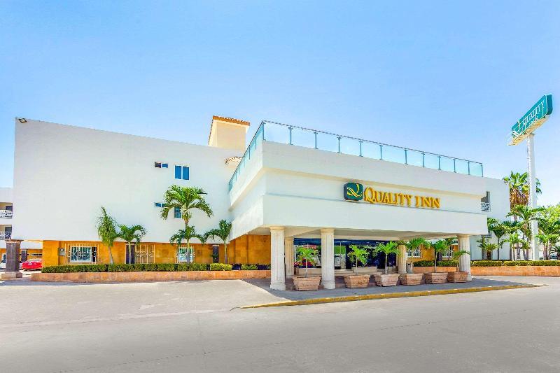 General view Quality Inn Mazatlan