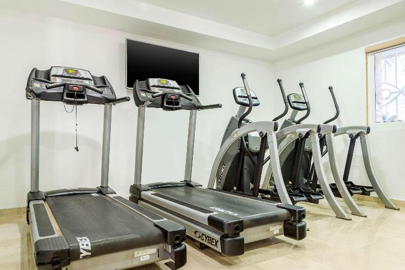 Sports and Entertainment Quality Inn Mazatlan