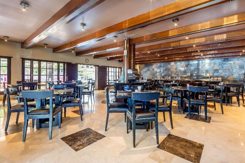 Restaurant Quality Inn Mazatlan