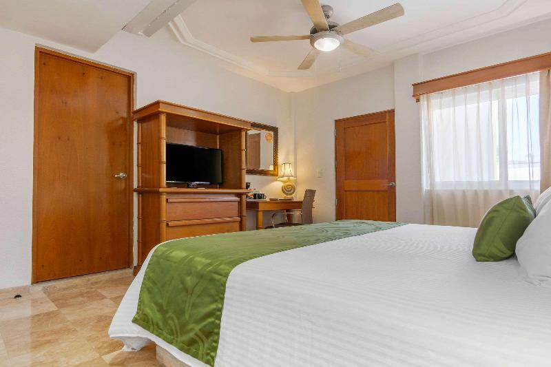 Room Quality Inn Mazatlan