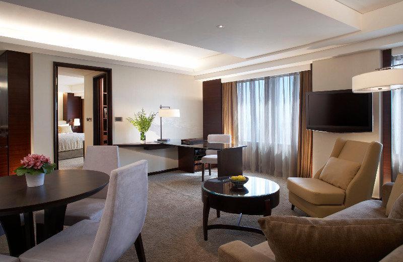 Room Shangri-la\'s Far Eastern Plaza Hotel
