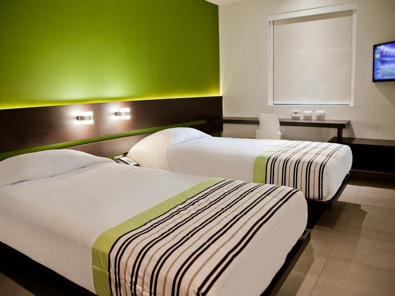DOUBLE TWO SINGLE BEDS