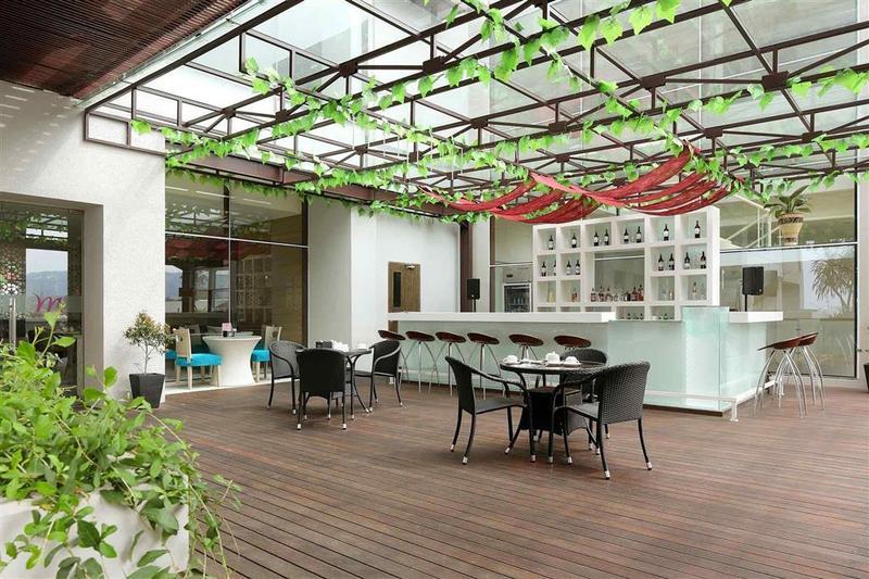 Bar Mercure Padang