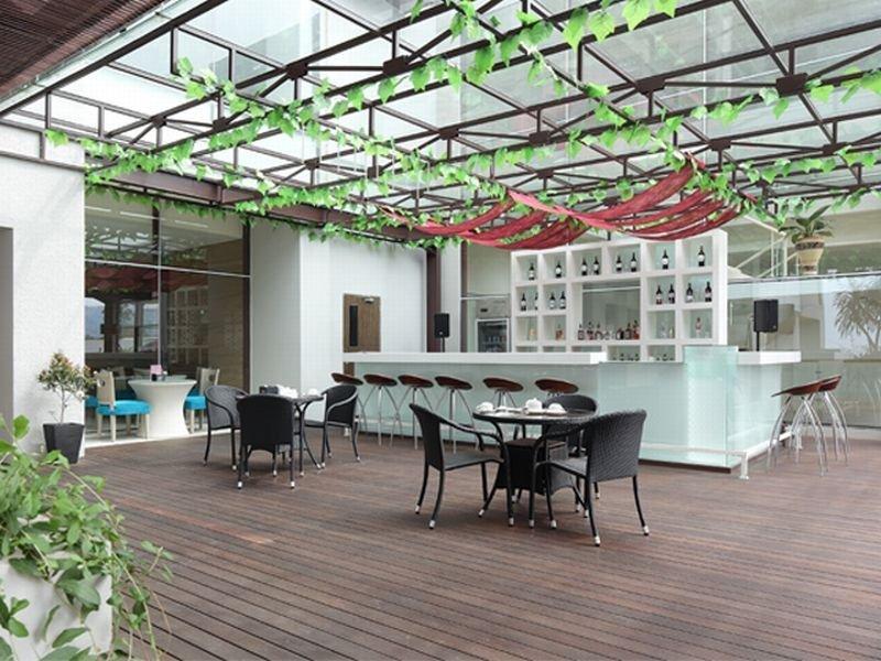 Terrace Mercure Padang