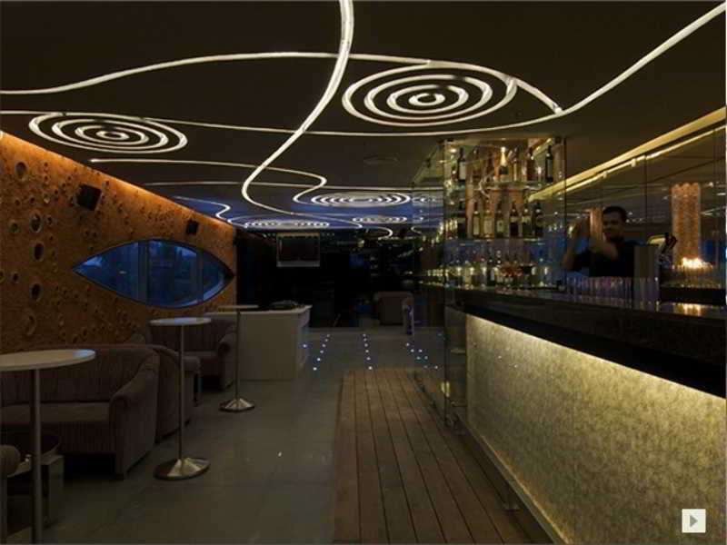 Bar Vivanta By Taj Whitefield